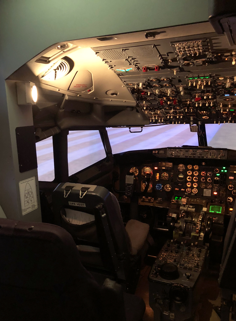 Delta Flight Museum 737 Flight Simulator